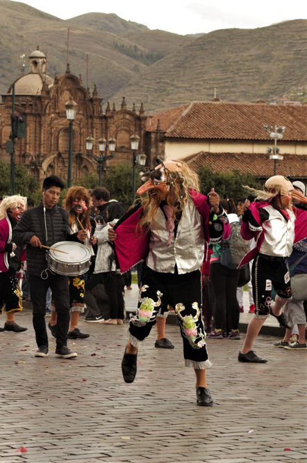 There were a lot of dancing groups in traditional dress in the Plaza de Arms.