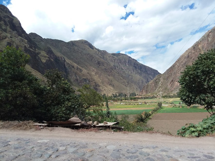 A view on the drive from Cusco to Ollantaytambo
